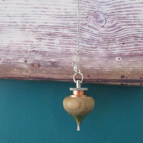 pendule unique radiesthésie original fait main cuivre inox laiton bois métal pierre quartz rose